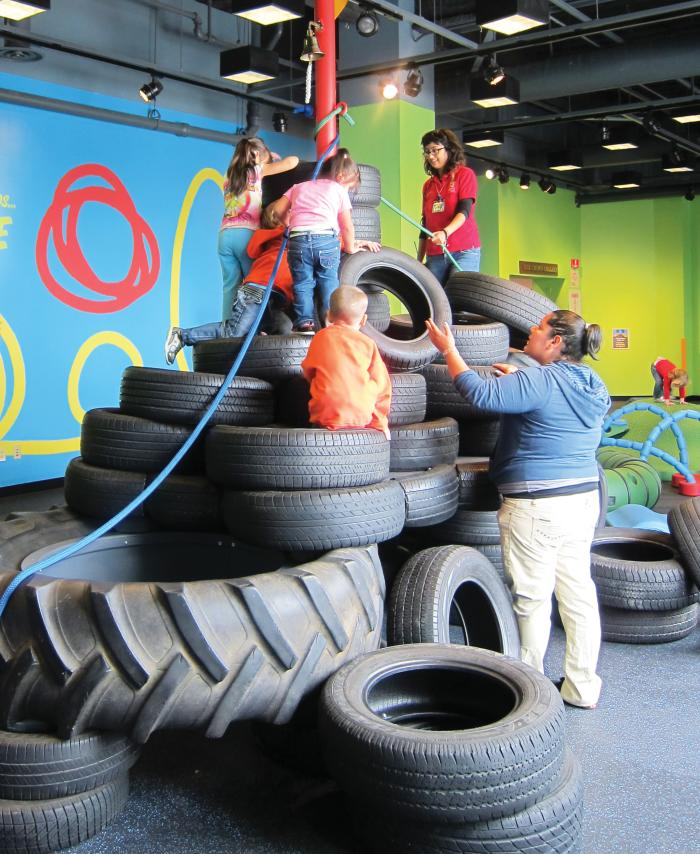 Children climbing at Chicago Children's Museum