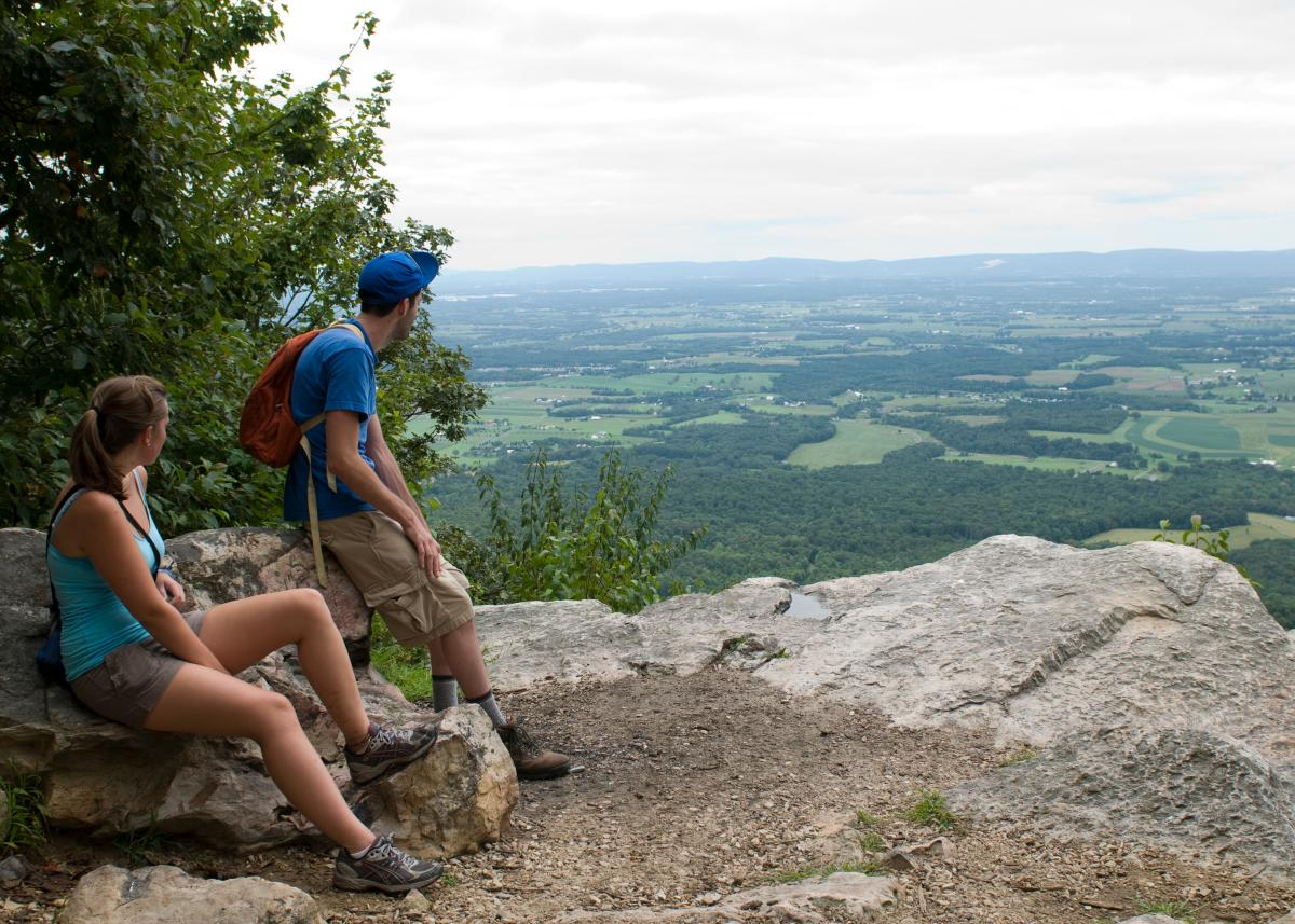 Colonel Denning Flat Rock Trail