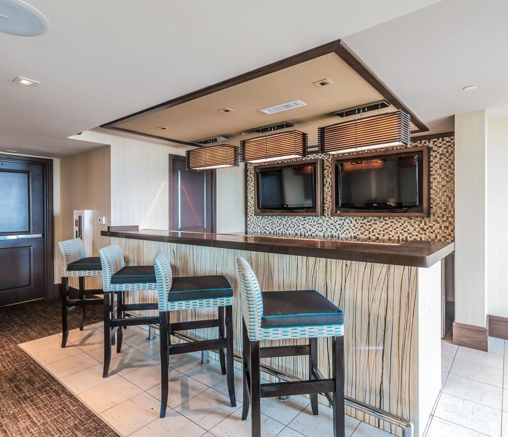 10th Floor Lounge