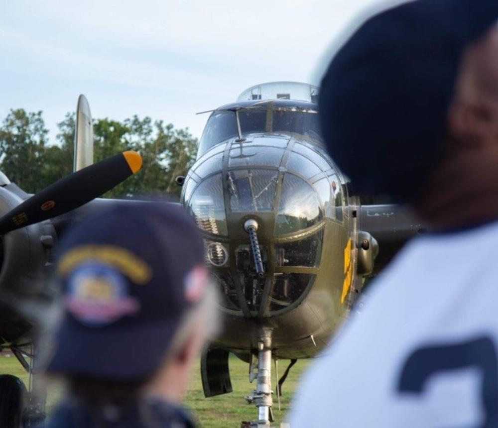 B-25 Crowd