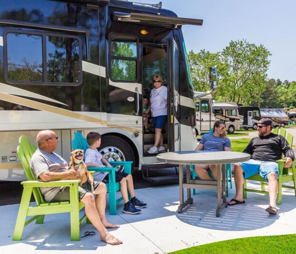 B Deluxe Patio RV Site