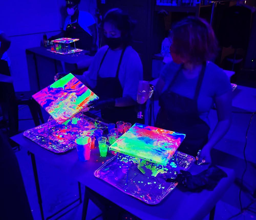 Neon GLOW Fluid Painting