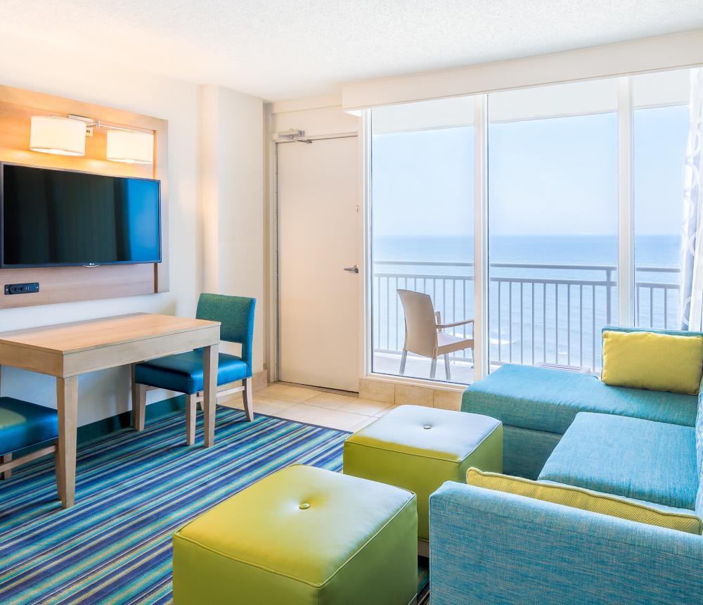 D - Oceanfront Suite