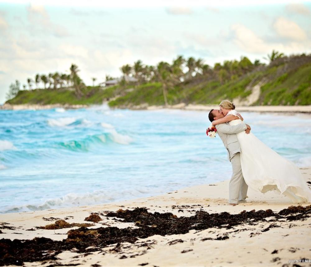 Destination wedding photography by Justin Hankins.
