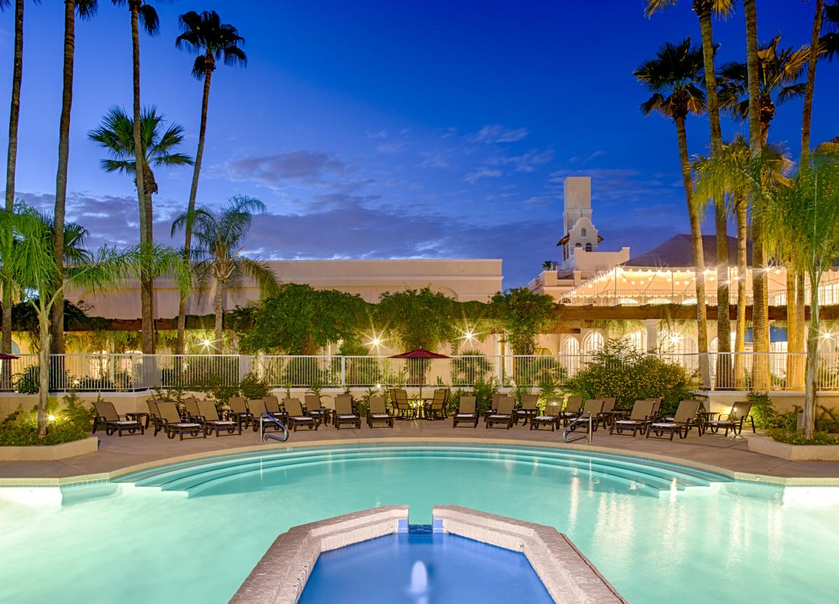 Crowne Plaza Phoenix Chandler Golf Resort Pool