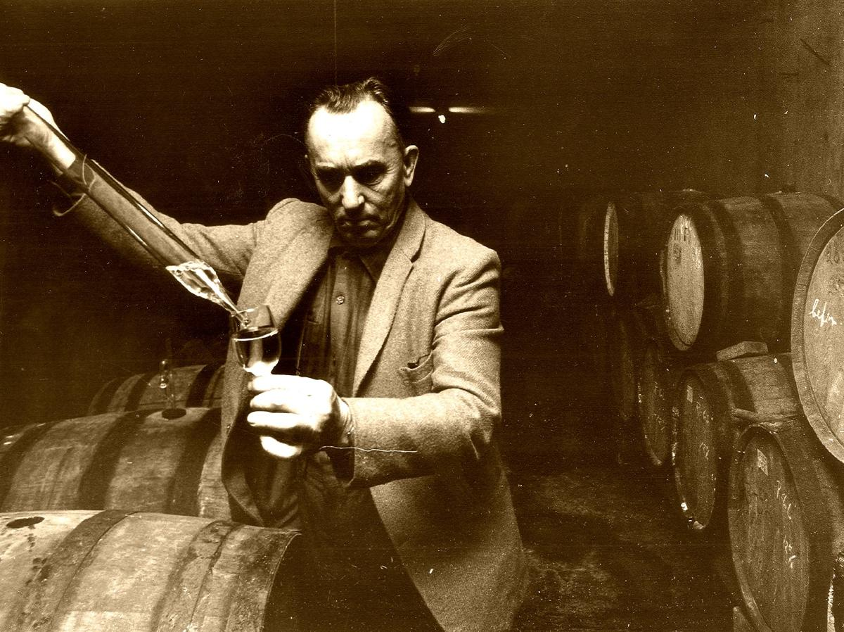 Dr_Frank_in_Cellarb_sepia.jpg