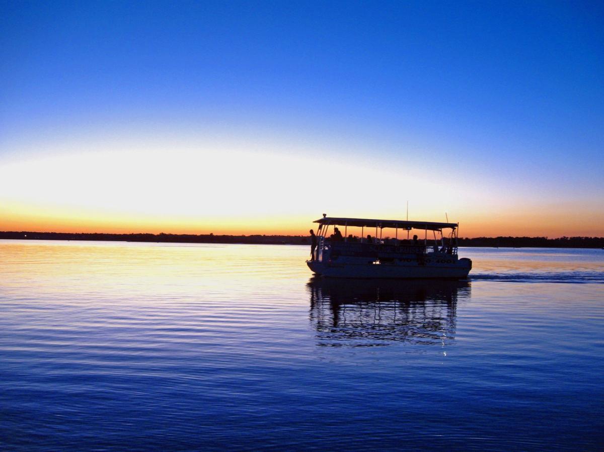 Tour boat
