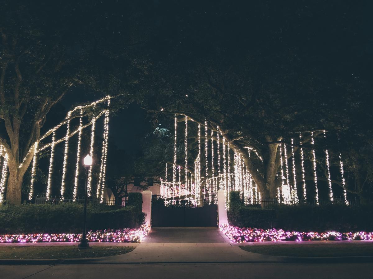 River Oaks Neighborhood Holiday Christmas