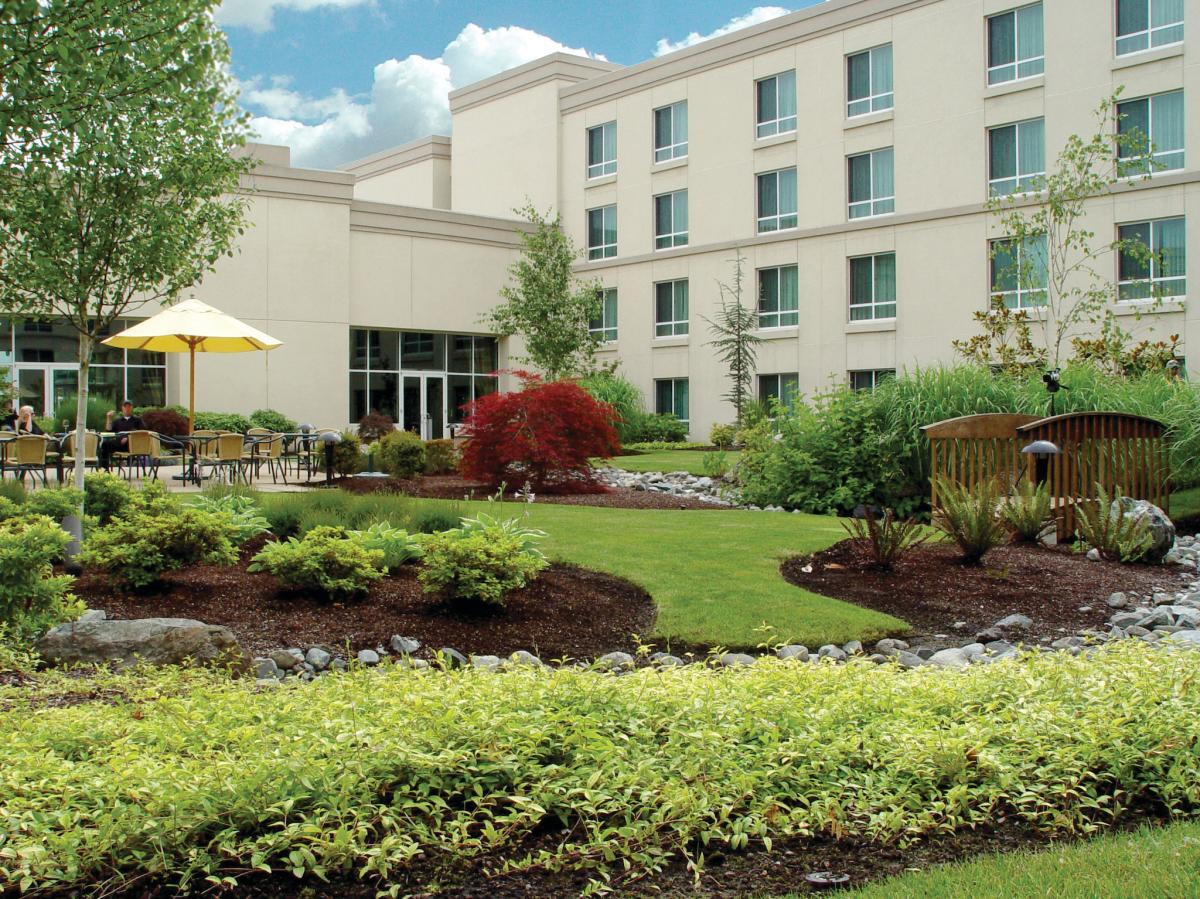 Hilton Courtyard