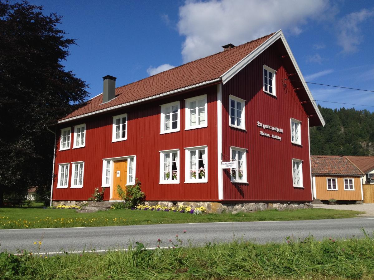 Barnevandrersenteret på Konsmo, rødt hus