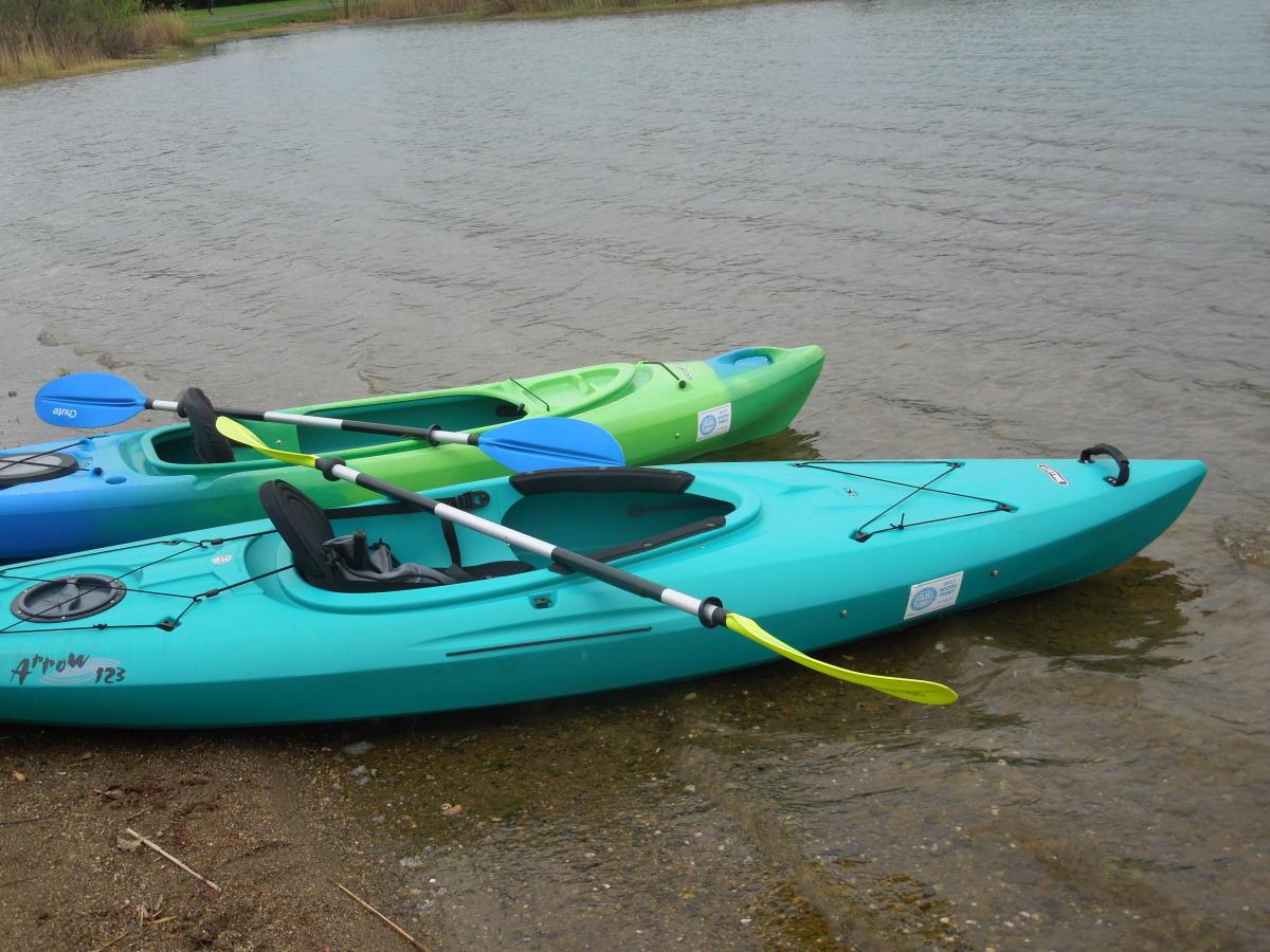 Side by side kayaks in Bucks County