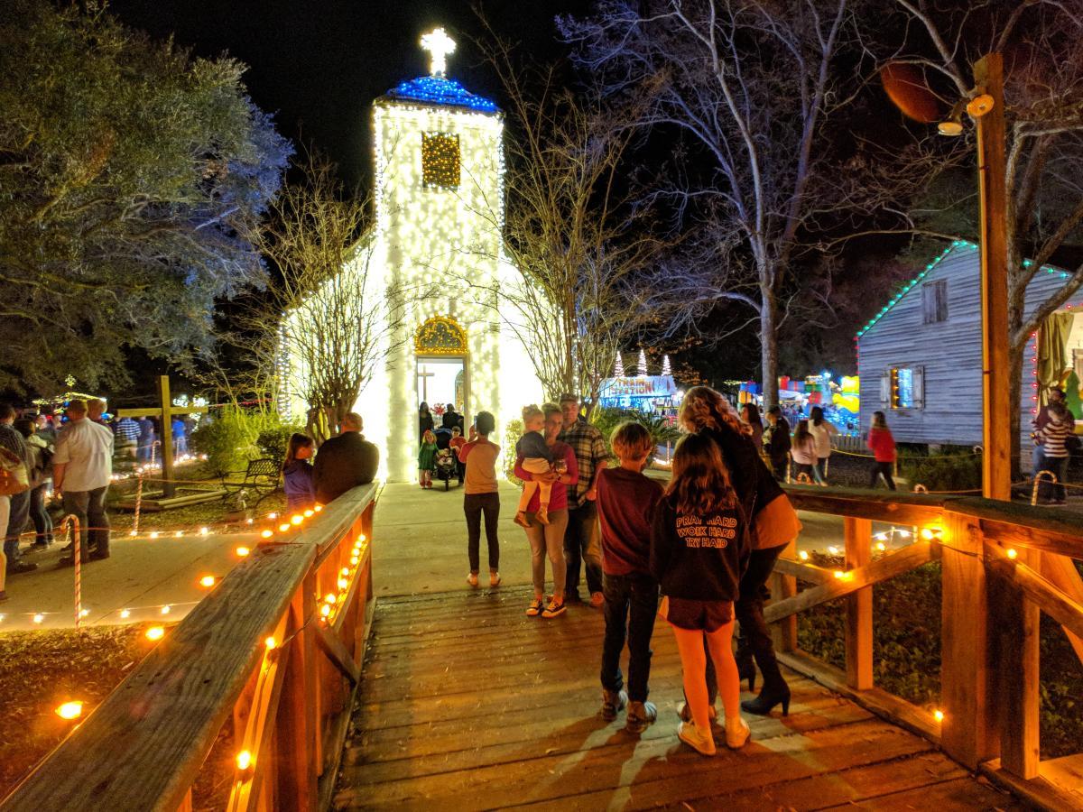 Cajun Christmas.20 Ways To Celebrate A Family Cajun Christmas