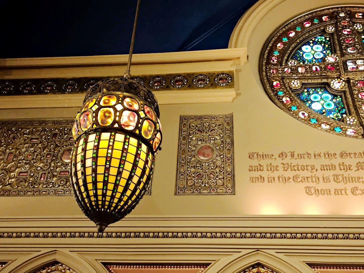 Tiffany Acorn Light at First Presbyterian Church