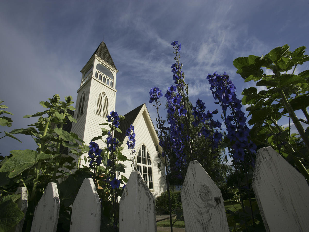 Kelowna -The Benvoulin Heritage Church