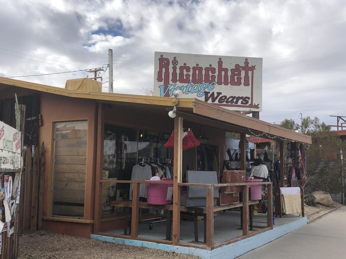 The rustic outside of Ricochet Vintage Wears in Joshua Tree.