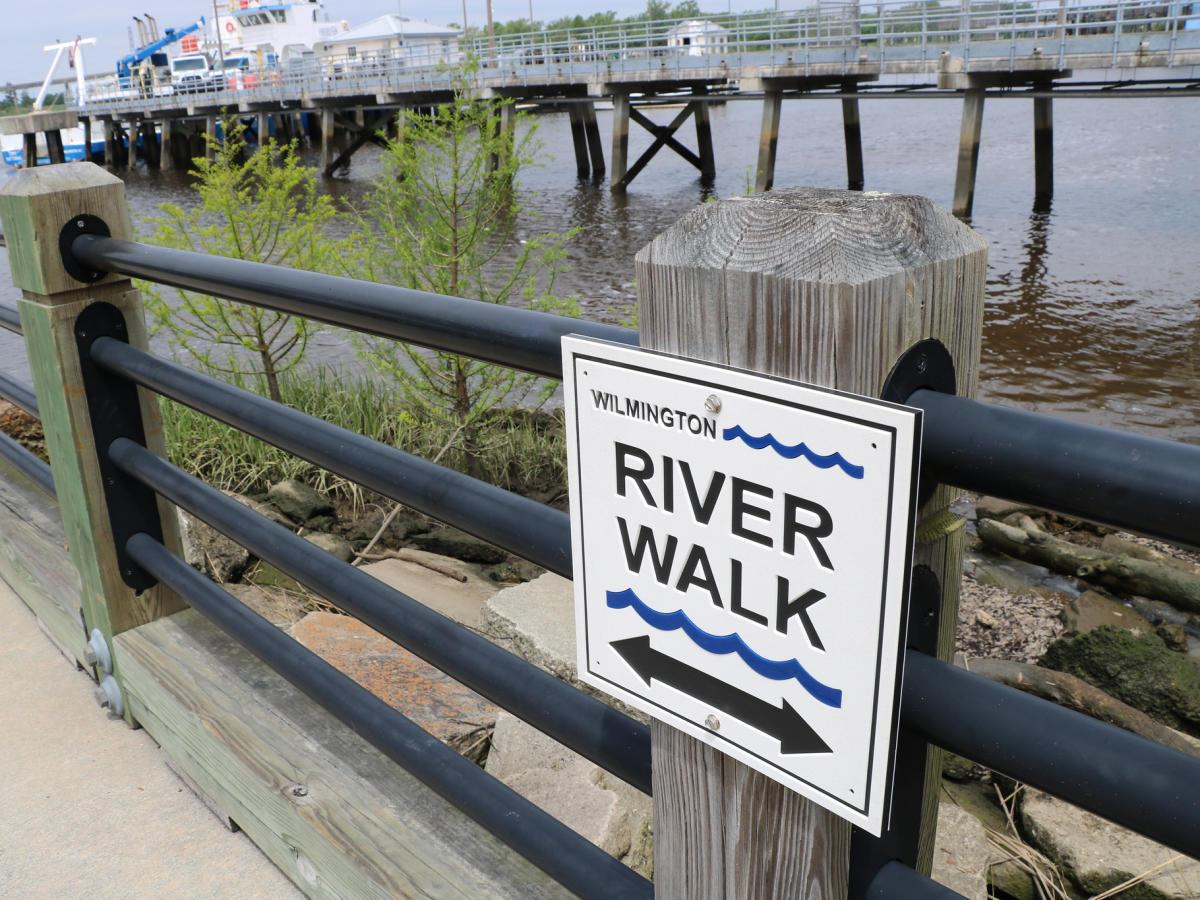 4x3 Riverwalk sign