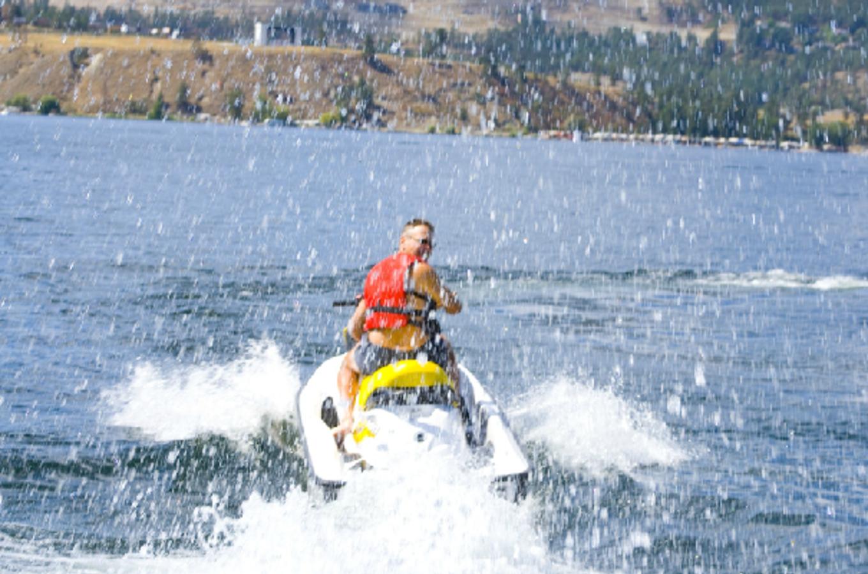 Okanagan-rent-a-boat.jpg