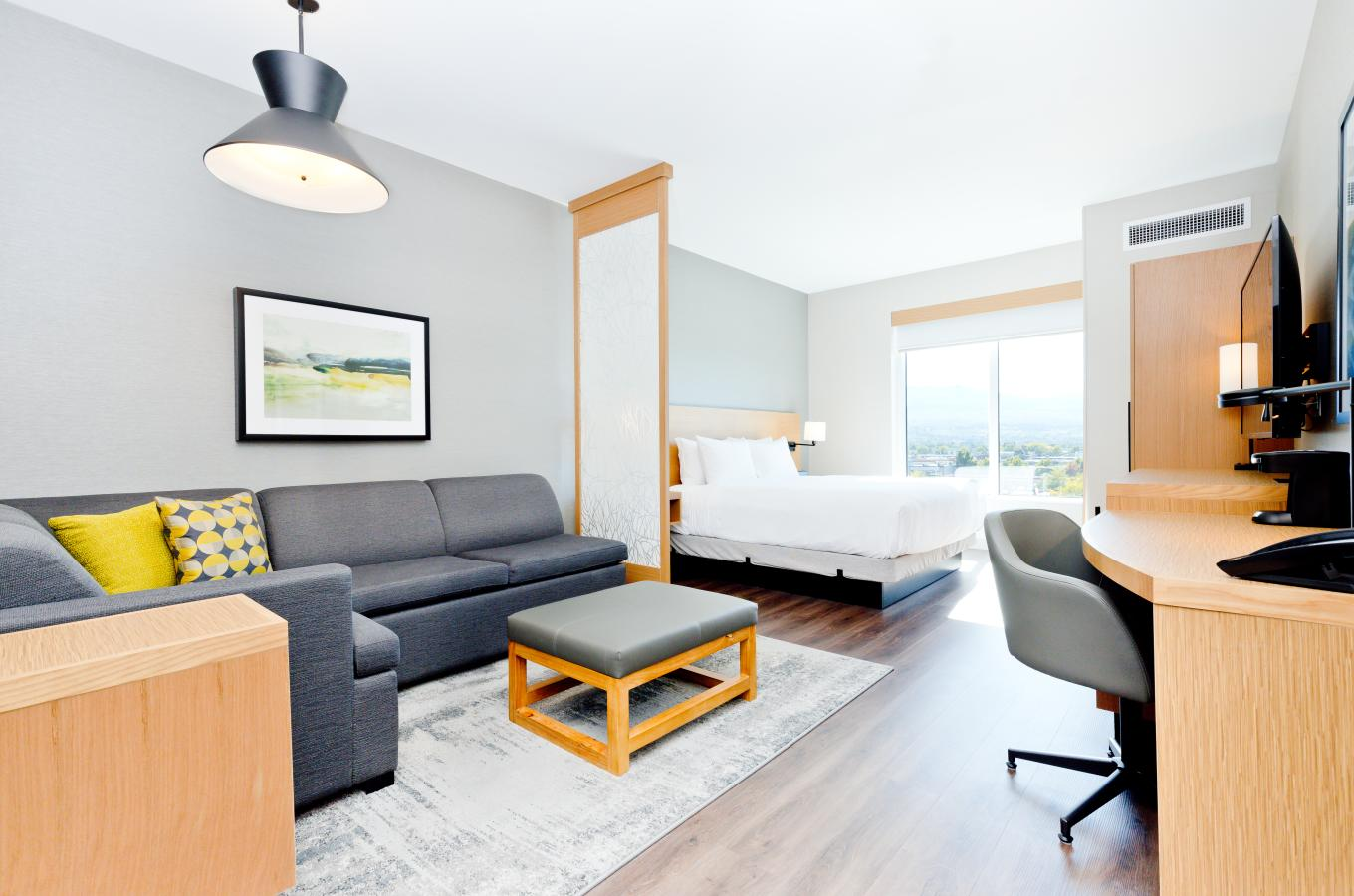 High Floor | King Bed (Plus Sofa Bed)