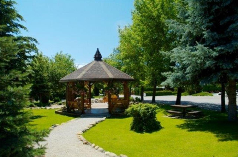 Holiday Park Resort gazebo & picnic area