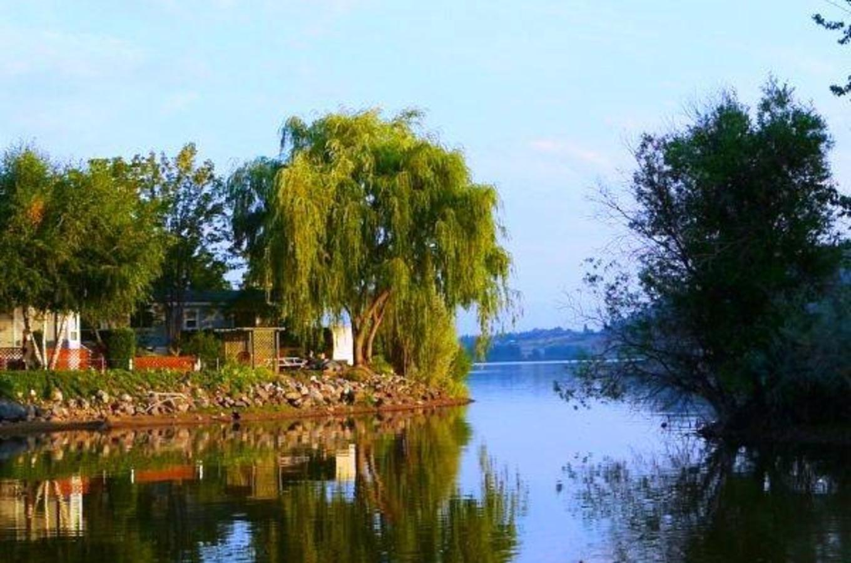 Holiday Park Resort on Ellison (Duck) Lake