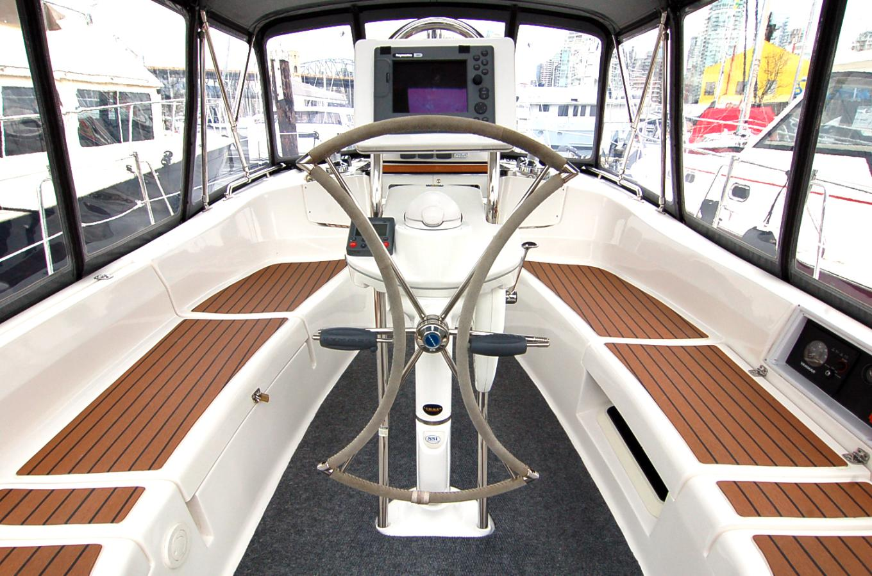 Okanagan Yacht Tours Image 2