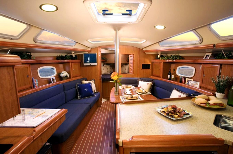 Okanagan Yacht Tours Image 3