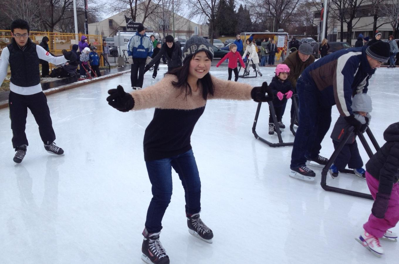 Students ice scating
