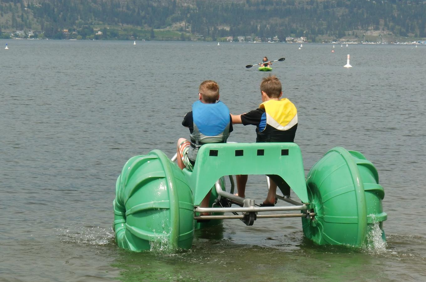 Kids on Aqua Bike 2
