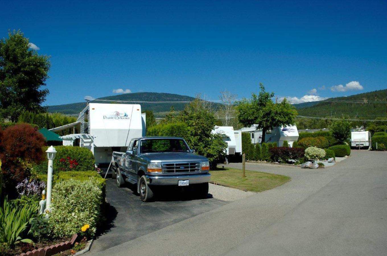 Holiday Park Resort Fully Serviced RV Sites