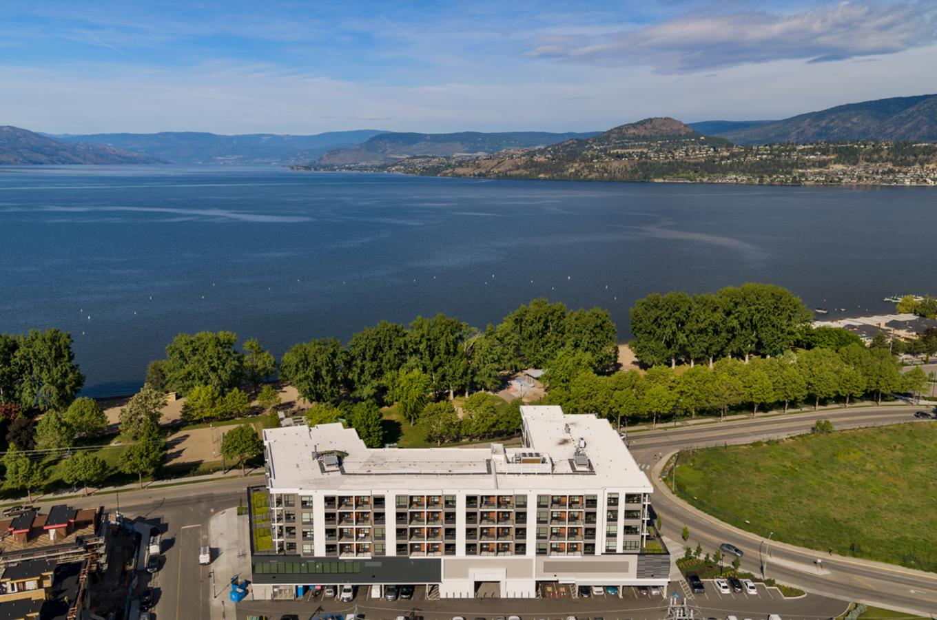 The Shore Kelowna - Exterior