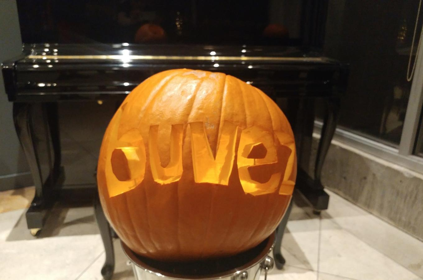 buvez pumpkin carving