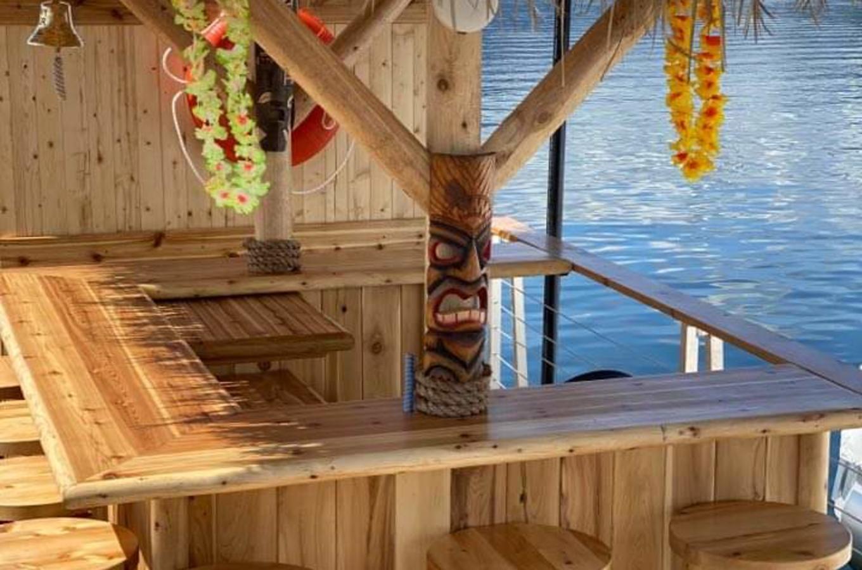 Tiki Boat 3