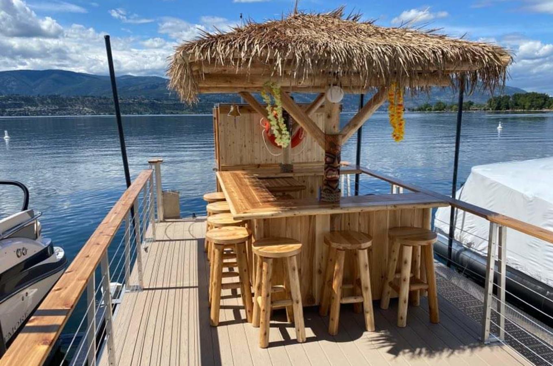 Tiki Boat 2
