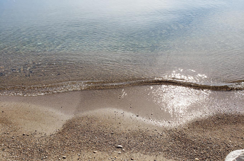 2019-06-26  Lake Michigan Park  Beach Curved water line_084621