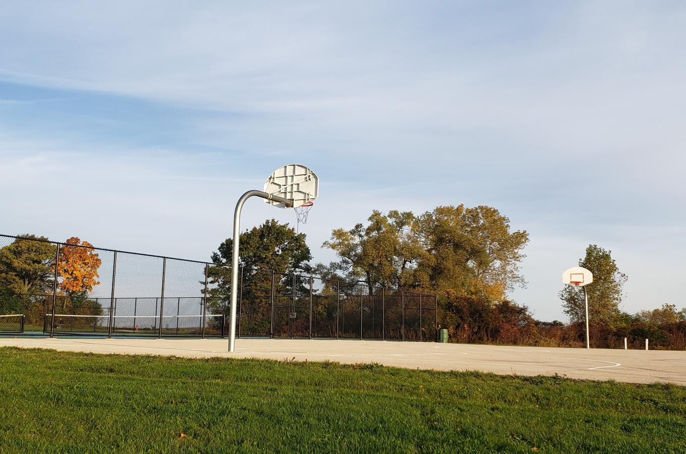 Village Green Park Basketball Court2