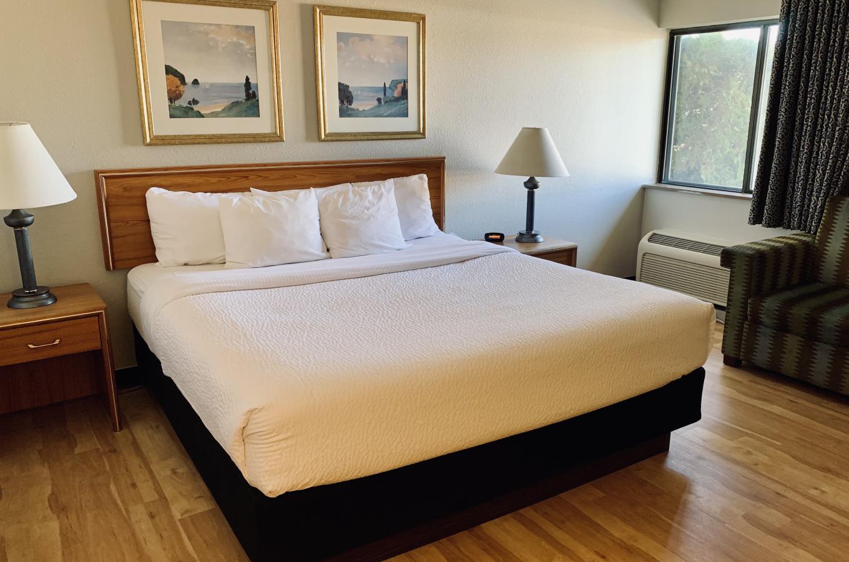 King Room at La Quinta Inn Pleasant Prairie