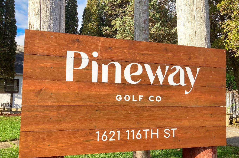2021 Pineway Golf Co Street Sign