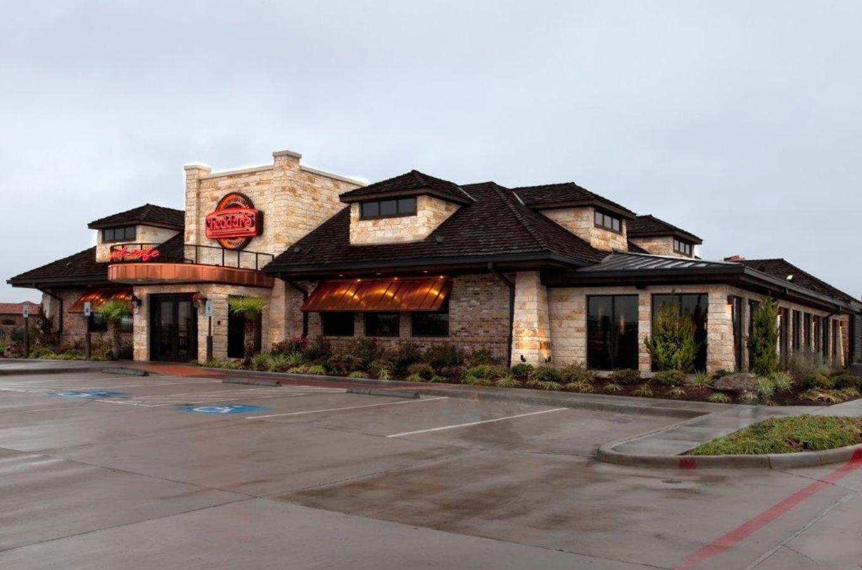 Cheddar's Restaurant Front