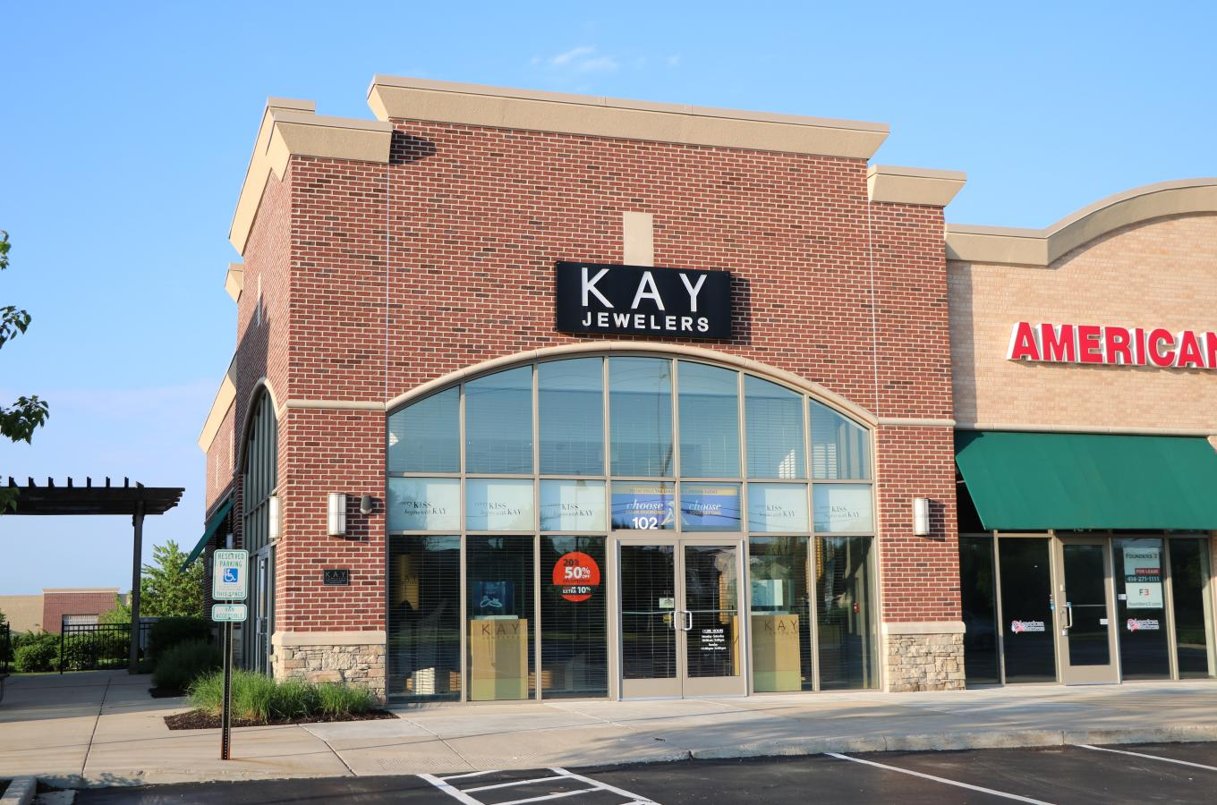 Kay jewelers storefront V Pic