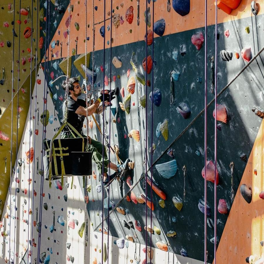 Climb so iLL Routsetting