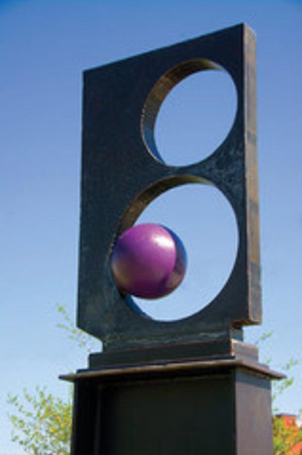Crazy Eight Sculpture