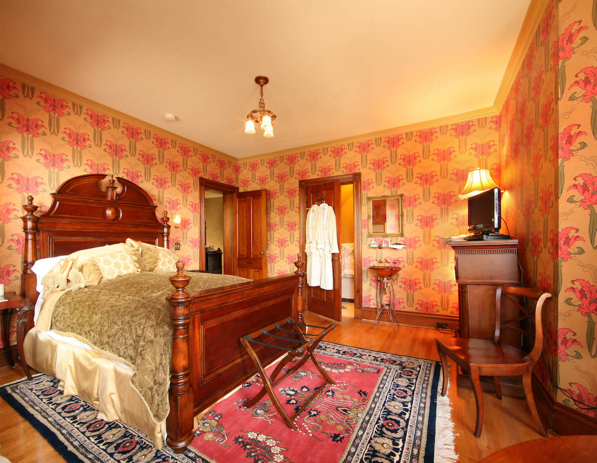 Historic Webster House Bed & Breakfast bedroom