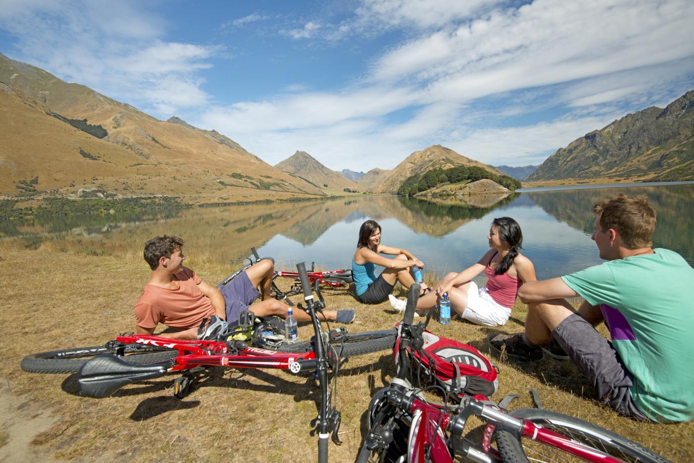 Biking Moke Lake