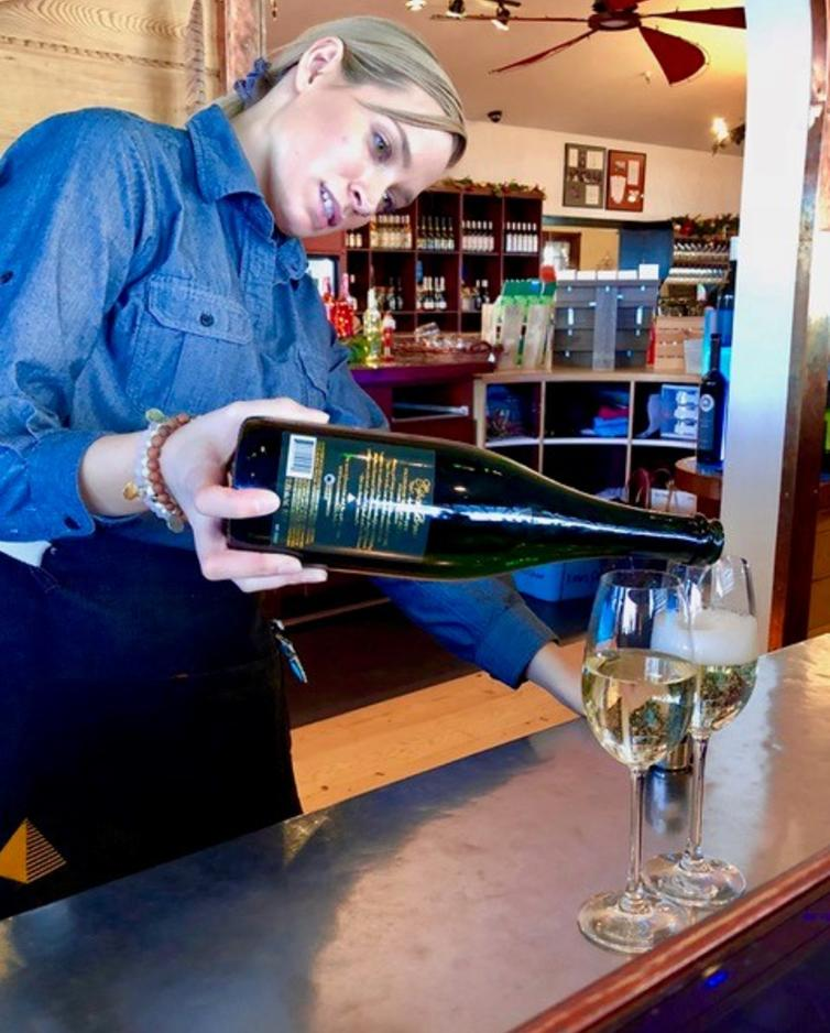 Pouring Sparkling at Summerhill