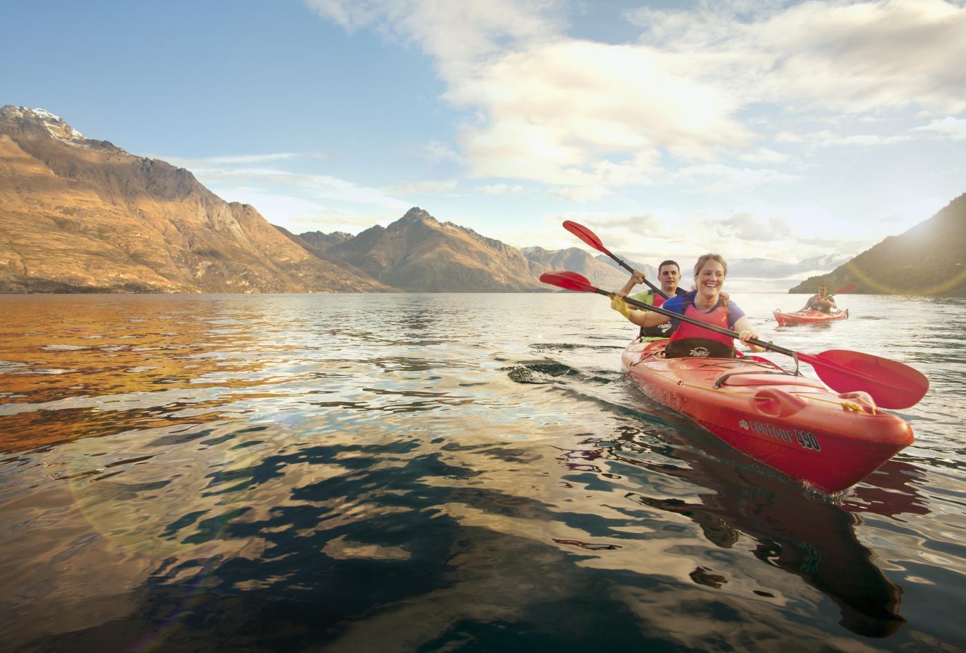 Kayaking on Lake Wakatipu in Queenstown
