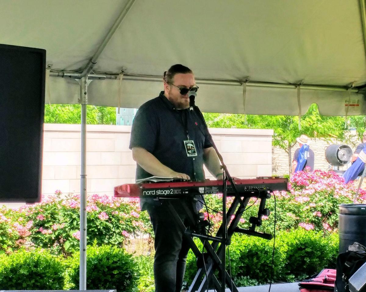 Keyboardist Kevin Ashba