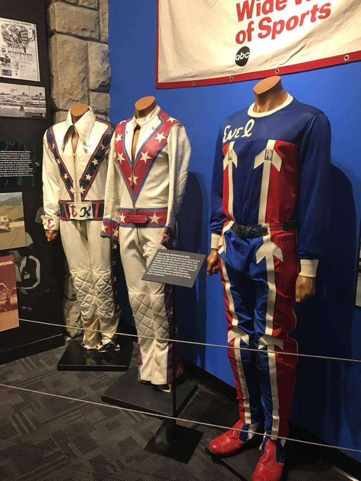 Evel Knievel - Suits