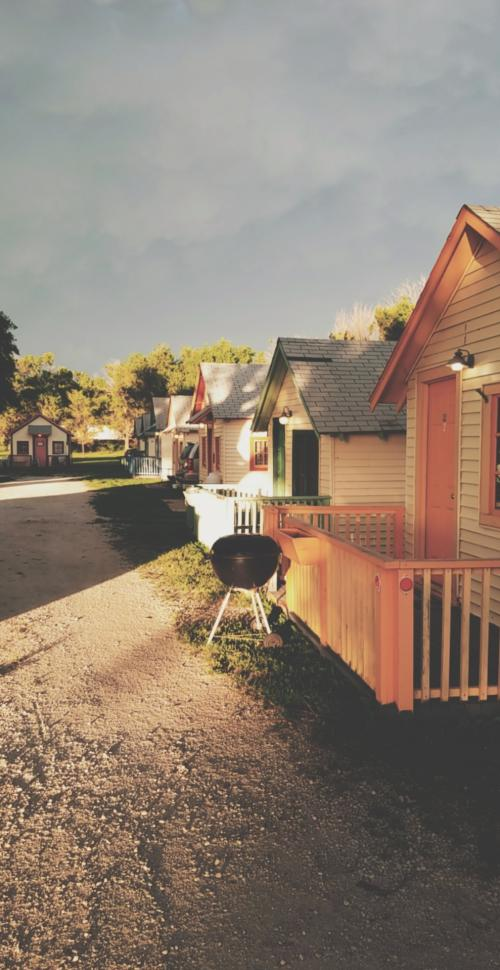 Shady Grove Cabins | Downs Kansas
