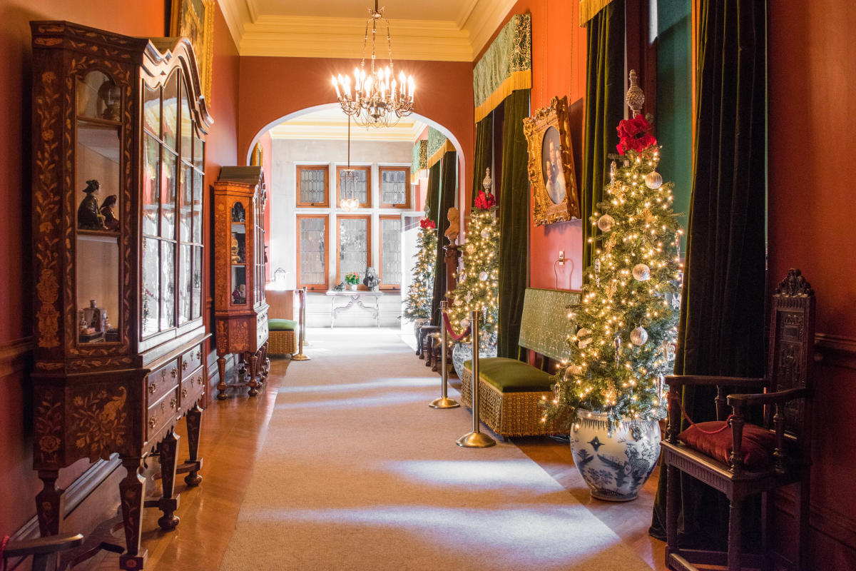 Christmas at Biltmore Estate Upstairs Hallway 2017