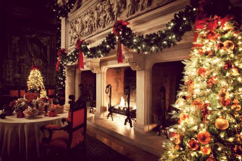 Christmas at Biltmore Banquet Hall Fireplace